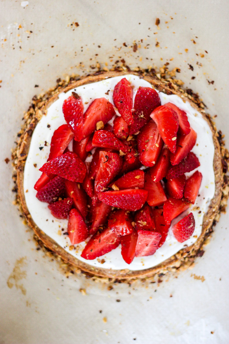 gâteau amande, coco, fraise.